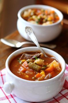 Let's lighten these holidays up with a vegetable beef soup you can make on the stove top if you have time, or put it all in your slow cooker for later. Crock Pot Slow Cooker, Slow Cooker Recipes, Crockpot Recipes, Cooking Recipes, Healthy Recipes, What's Cooking, Beef Soup Crockpot, Cooking Classes, Healthy Kids
