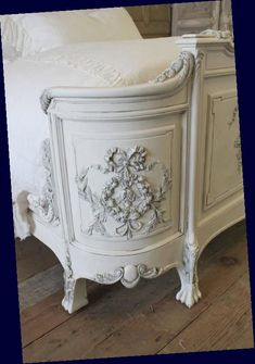 19th Century Queen Painted Antique French Renaissance Style Bed Rose Carvings : 19th Century Queen Painted Antique French Renaissance Style Bed Rose Carvings 5 #19th #Century #Queen French Country Bedding, French Country Bedrooms, French Country Style, French Furniture, Shabby Chic Furniture, Vintage Furniture, Painted Furniture, Furniture Design, French Decor