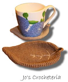 Make this Beautiful and Easy Crochet Pattern. Free Leaf Coaster with videotutorial on youtube.