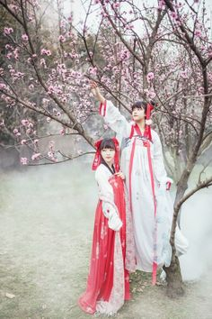 "hanfugallery: ""Traditional Chinese clothes, hanfu. Photography by 当小时dangxiaoshi """