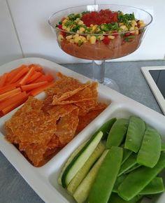 Vegans Eat Yummy Food Too!: Refried Bean Dip with Corn Crisps Refried Bean Dip, Refried Beans, Delicious Vegan Recipes, Tasty, Yummy Food, Vegan Snacks, Vegan Food, Corn Dip, Vegan Lifestyle