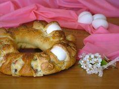Corona pasquale con formaggi e salumi Un'idea come centrotavola nel giorno di Pasqua o da portare via per la gita di pasquetta Morbida e gustosissima!