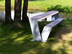 Extremis | Hopper bench