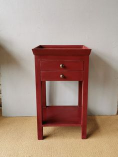 Red Painted Side Table - The Hoarde Painted Side Tables, Wooden Side Table, Side Tables Bedroom, Bedside Tables, Stone Barns, Bedside Cabinet, Selling Antiques, Country Furniture, Red Paint