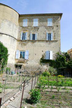 ORAD01 - Le Château - Village d'Oraison - Alpes de Haute Provence 04