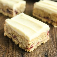 Moist, buttery bakewell flapjacks with almonds, a layer of raspberry jam and topped with a thick yoghurt and white chocolate coating.