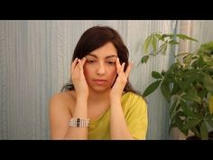 Facial yoga is great to release tension and relax your facial muscles. Here is a video of some facial yoga exercises to increase blood flow to your face, while smoothening and toning your skin to make you look younger. Facial Yoga Exercises, Neck Exercises, Skinny Face, Throat Chakra Healing, Reflexology Massage, Facial Muscles, Face Yoga, Massage Benefits, Natural Treatments
