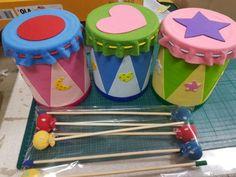 교구제작(동물색돋보기 마이크 작은북 리본막대~등등 : 네이버 블로그 Creative Activities For Kids, Craft Projects For Kids, Diy For Kids, Sewing Projects, Toddler Crafts, Preschool Crafts, Crafts For Kids, Drum Craft, Instrument Craft