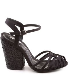 Sandália salto bloco riviera preta Ankle Strap Flats, Dream Shoes, Dreams, Shoe Bag, My Style, Heels, Clothes, Accessories, Fashion
