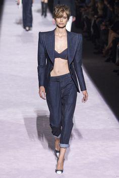 Tom Ford spring/summer 2018 collection – New York fashion week. #fashion #fashionpost #runway #designer #tomford #fashiondeigner #springsummer #rtw #fashionweek #nyc #newyork #newyorkfashionweek #fabfashionfix #models #fashionmodels