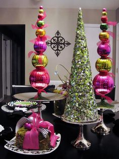 Bright and Cheery - Elegant Holiday Decorating Ideas on HGTV