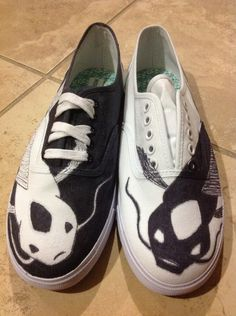 Tui and La shoes, if I buy a pair of white shoes can someone make these for me?