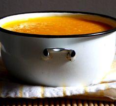 Sopa de cenoura com quinua.