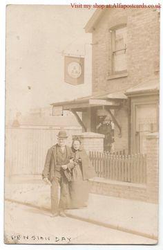 Corner of Enfield Road. Edwardian House, Edwardian Era, Vintage Photographs, Vintage Images, Victorian Homes Exterior, Historic Homes, Post Office, Birmingham, Old Photos