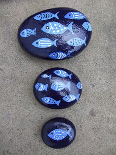 hand painted fish pebbles                                                                                                                                                      Más