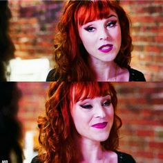 Ruth connell is GORGEOUS, plus her makeup here looks amazing.