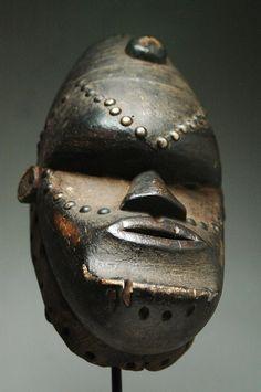 bete mask, guere, we, artenegro, african tribal art, gallery, ivory coast, cote d'ivoire, african art