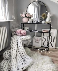 decor with quilts bedroom decor to decor bedroom diy decor hgtv decor rose gold decor games decor and storage decor sets Cute Room Decor, Room Decor Bedroom, Diy Bedroom, My New Room, My Room, Side Tables Bedroom, Glam Room, Beauty Room, Decoration