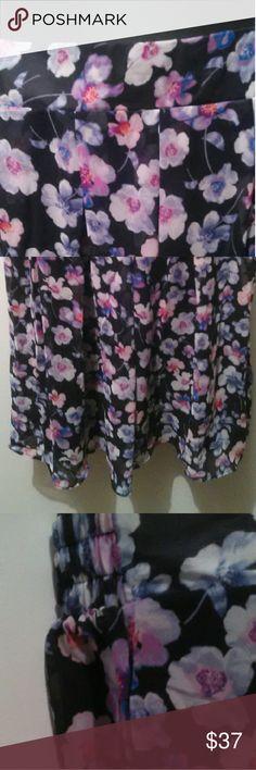 "Igigi Loretta Skirt in Violet Petal 12 Lined Skirt 100% Polyester, 26"" Long Approximate, 33"" Waist Approximate Made in USA Floral Print, Plus Size 12 Igigi Skirts"