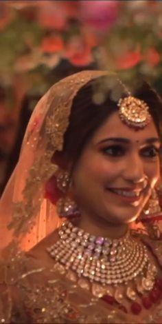Wedding Dance Video, Indian Wedding Video, Indian Wedding Gowns, Indian Bridal Photos, Indian Bridal Fashion, Indian Bridal Wear, Wedding Videos, Bride Photography, Indian Wedding Photography