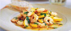 Vitlöksstekta räkor med zucchini Salvia, Zucchini, Shrimp, Chili, Food And Drink, Meat, Chile, Chilis, Squashes