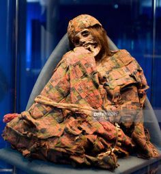 inca-mummy-5   mummy of an Inca woman with red or reddish-brown hair.