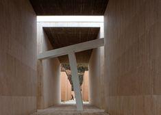 Concrete-necropolis-by-Andrea-Dragoni-contains-public-plazas-and-site-specific-artworks_dezeen_ss_1.jpg  Gubbio