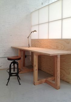 Individual workspace at ceramic studio for sculptors potters and designers Sculpture Space NYC Center for Art & Ceramics Art Studio Design, Art Studio At Home, Clay Studio, Ceramic Studio, Diy Furniture, Furniture Design, Studio Table, Studio Organization, Pottery Studio