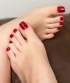 A collection of the best female feet pictures I found. just gorgeous feet. Pretty Toe Nails, Cute Toe Nails, Pretty Toes, Feet Soles, Women's Feet, Pies Sexy, Painted Toe Nails, Red Toenails, Nice Toes