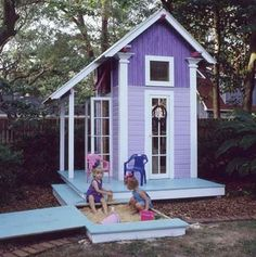 Such a cute play house, and I love you can close up the sand box :)