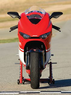 2008 Ducati Desmosedici RR - this bike is crazy. Moto Ducati, Ducati Motorcycles, Ducati Scrambler, Bobber, Ducati Desmosedici Rr, Classic Bikes, Sport Bikes, Motogp, Motorbikes