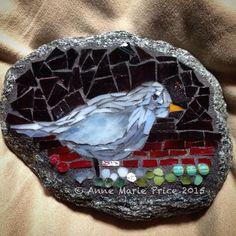 Mosaic Rocks, Mosaic Stepping Stones, Stone Mosaic, Mosaic Glass, Rock Mosaic, Stained Glass, Mosaic Crafts, Mosaic Projects, Mosaic Art