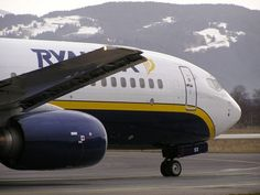 DROPPING THE LAST BARRIER RYANAIR FROM 1 February 2014 PART FREE ASSIGNMENT OF SEATS