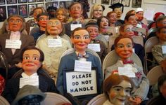 One of the strangest museum in the world? For sure the Vent Haven Ventriloquist Museum Fort Mitchell, Kentucky! Indeed this museum home more than 800 vent Kentucky, Ventriloquist Dummy, Puppet Making, Museum Displays, Roadside Attractions, Weird Stories, Book Photography, Cincinnati, Puppets