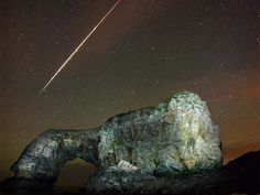 Last year, an Irish photographer captured a stunning image of a fireball in the sky in Donegal. Brendan O'Neill and his friend took the image at the famous The Great Pollet Arch which is located on the The Fanad Peninsula on the northern tip of Ireland. Fireball Shot, Love Ireland, Emerald Isle, Donegal, Star Sky, Landscape Photographers, Stars And Moon, Dream Vacations, Beautiful World