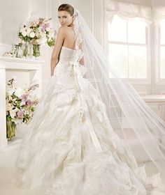 MIRTO » Wedding Dresses » 2013 Glamour Collection » La Sposa (back)