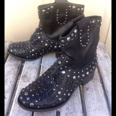 """❤️Mia Limited Edition Black 'Buullet' Boots. NWT Black leather embellished boots by Mia. These are a limited edition style called """"Buullet"""". 1.5"""" heel. Look great with jeans! Comes brand new in box! Regular price $298! Size 7.5 and run true to size. MIA Shoes"""