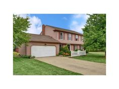 This Strongsville home is near perfect.  The 4 bedrooms and 2.5 bathrooms is in…