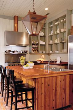 Show Off With Simple Storage | Whether you're planning a complete kitchen overhaul or you're just looking for a few quick and easy updates, these creative kitchens are sure to inspire you. In the South, a beautiful kitchen is almost always the center of one's home and serves as the heart and soul of the house. Here, we are going to share our favorite kitchen inspiration for those looking for a refresh or starting new. There are many different types of kitchens that grace our pages each…
