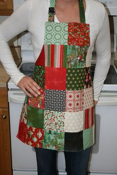 Christmas Apron – Ladies Apron – Christmas Gift – Apron for Women – Holiday Apron – Gift for Mom Welcome to DustyRoseRanch! This adorable patchwork ladies apron is handmade … Christmas Aprons, Christmas Mom, Christmas Sewing Gifts, Womens Christmas, Christmas Ideas, Christmas Sewing Projects, Fabric Crafts, Sewing Crafts, Sewing Aprons