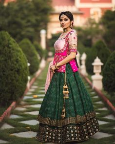 Wedding lehengas are no more confined to just blazing reds, it's much more than that. Throw any color to us and we know how to make a… Choli Blouse Design, Fancy Blouse Designs, Choli Designs, Designs For Dresses, Lehenga Designs, Saree Blouse Designs, Rajasthani Dress, Navratri Dress, Choli Dress