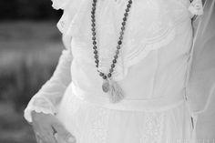 Planerar ni ett miljövänligt bröllop? Köp er brudklänning second hand!