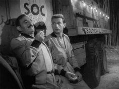 Jo (Charles Vanel) mon arriere grand oncle, et Mario (Yves Montand) contemplent la mort par nitroglycerine dans le salaire de la peur