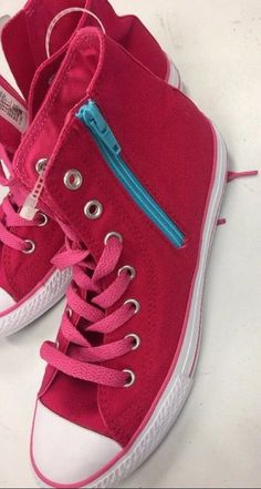 BRAND NEW NEVER WORN!!!Converse All Star Chuck Taylor ShoesYouth Girls Size 4Pink/BlueCanvas upperCushioned footbedFiber/rubber composite outsoleLace