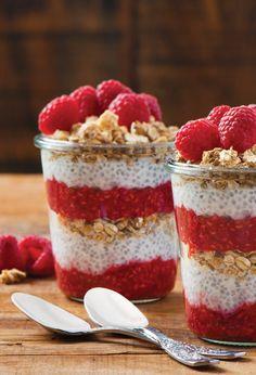 Si vous en avez marre de vos vieux petit dejeuner sucree, alors, que vous venez . Sweet Breakfast, Breakfast Recipes, Healthy Snacks, Healthy Recipes, Chia Pudding, Food Inspiration, Sweet Recipes, Raspberry, Food Porn