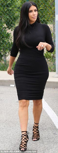 Kim Kardashian grabs lunch wearing same tight dress and heels from a day earlier | Daily Mail Online