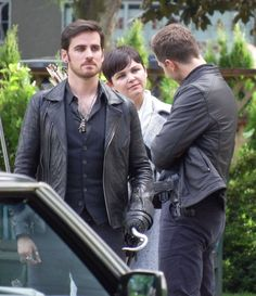 "Colin O'Donoghue, Ginnifer Goodwin and Josh Dallas - Behind the scenes - 6 * 1 ""The Savior"" - 12th July 2016"