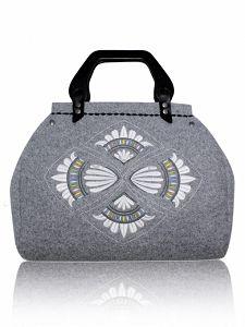 Filcowa torebka GOSHICO z haftem - kufer DESTINY http://torebki.pl/filcowa-torebka-goshico-z-haftem-kufer-destiny-1164.html