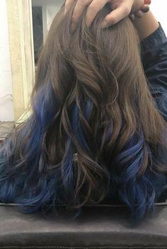 Blue Hair Highlights, Hair Color Streaks, Hair Dye Colors, Cool Hair Color, Brown Hair Colors, Blue Colors, Peekaboo Hair Colors, Hair Color Blue, Colored Highlights
