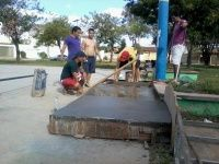 Dia 09/06, a galera reunida para concluir a construção de mais um obstáculo na Praça de todos os Santos, Montes Claros-MG.